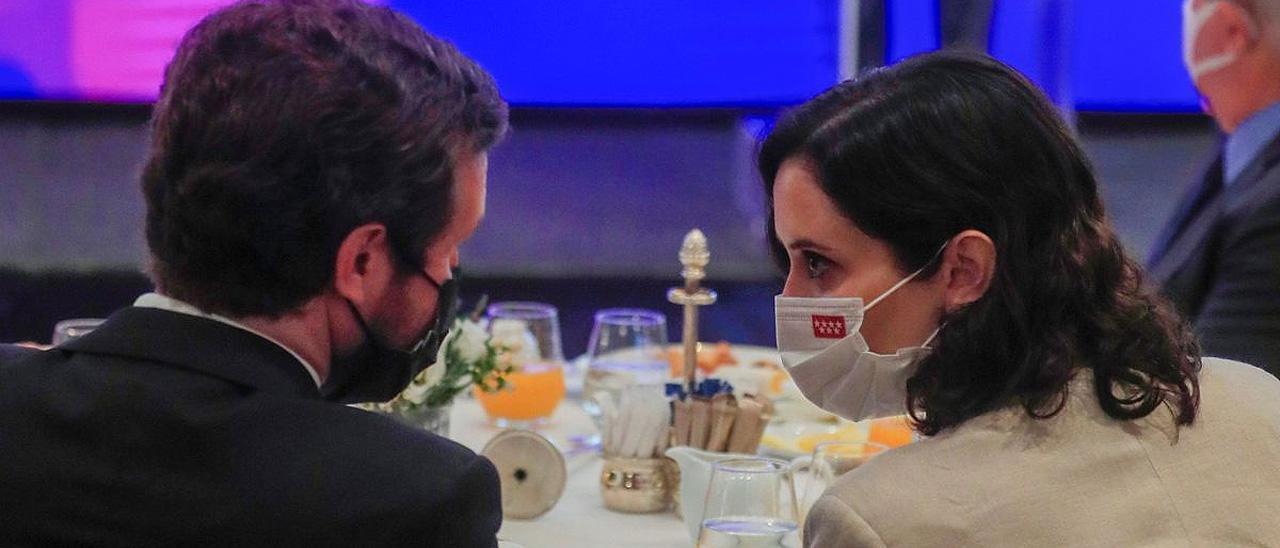 Pablo Casado e Isabel Díaz Ayuso, en un desayuno informativo el 16 de junio en Madrid.