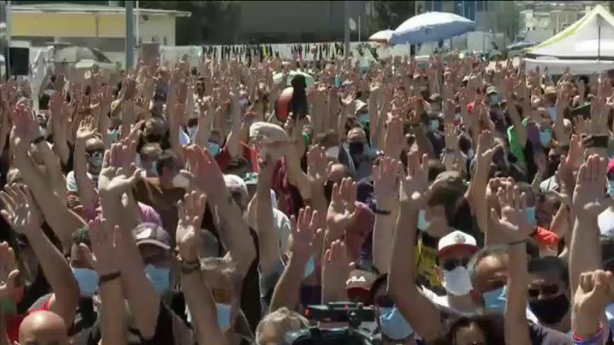 Los trabajadores de Nissan ratifican el acuerdo y no habrá despidos hasta 2021