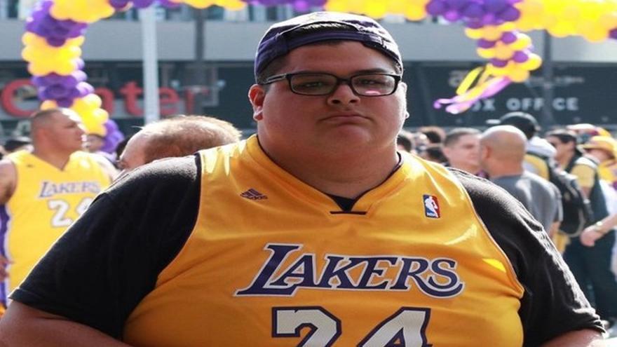El increíble cambio físico de un joven inspirado en Kobe Bryant