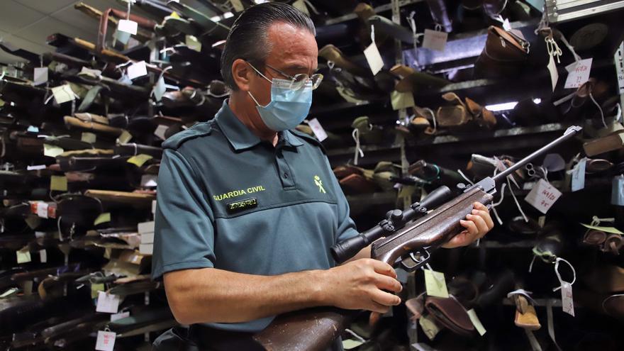 La Guardia Civil tiene intervenidas más de 3.000 armas de fuego
