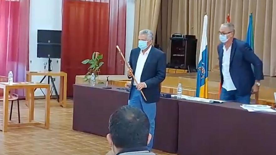 ASG hace alcalde de Valle Gran Rey a Ángel Piñero (NC)