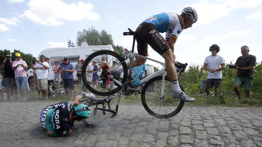 Rojas se retira tras una caída y Valverde se queda como único murciano en el Tour