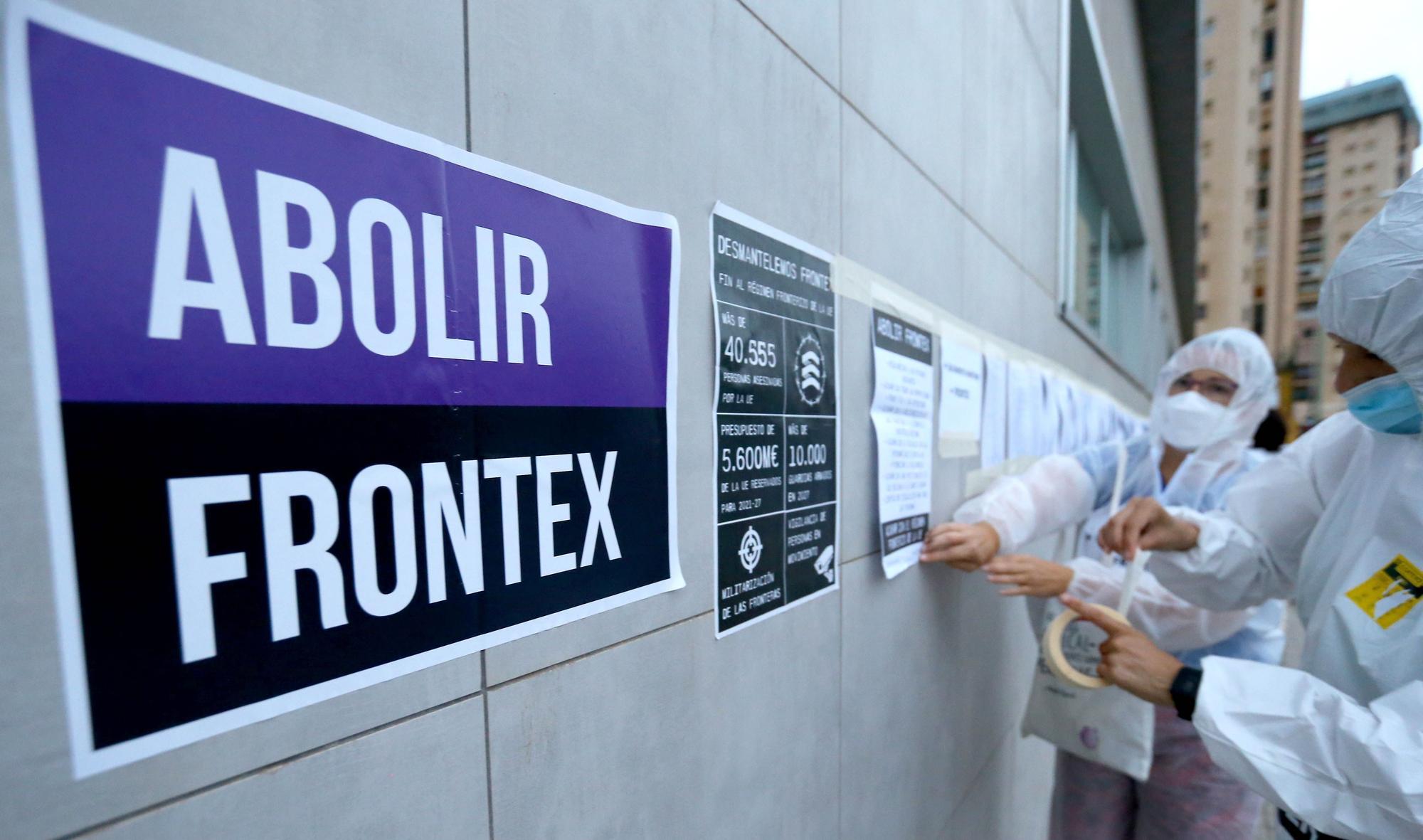 Protesta ante la sede de Fontex en Las Palmas de Gran Canaria
