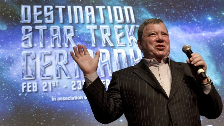 El capitán Kirk de 'Star Trek' viajará al espacio en la nave de Jeff Bezos