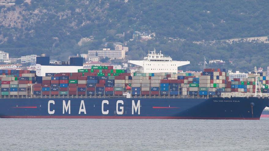 La ausencia de estibadores paraliza el puerto de Algeciras