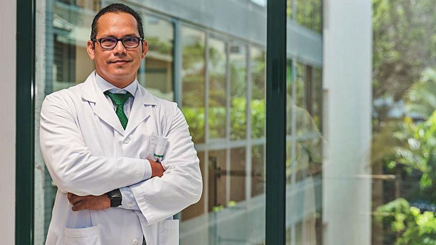 Pedro Cabrera Castillo, nuevo jefe de Urología de Hospiten en Tenerife