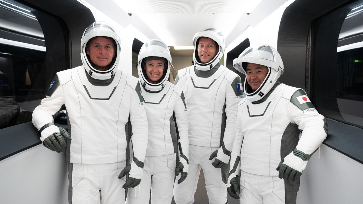 El astronauta junto a otros comandantes de la NASA.