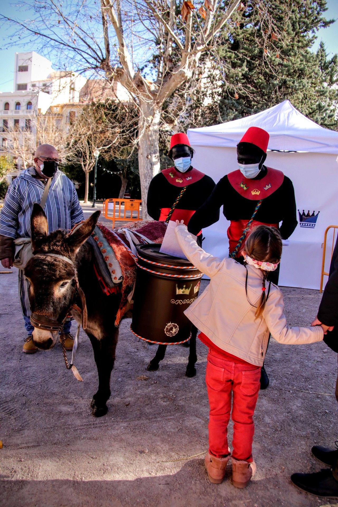 The pages collect the letters for the Magi in Alcoy