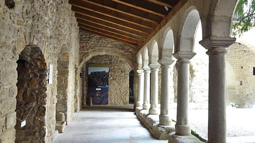 L'Ajuntament i la parròquia de Sant Llorenç actualitzen el conveni del monestir