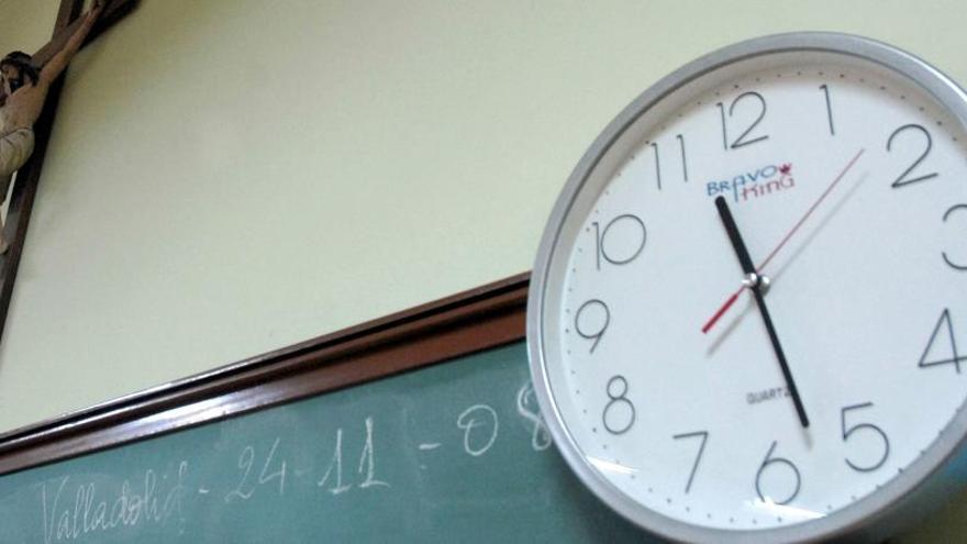 """Un colegio de Valencia pregunta a alumnos de 13 años si """"han fornicado"""""""