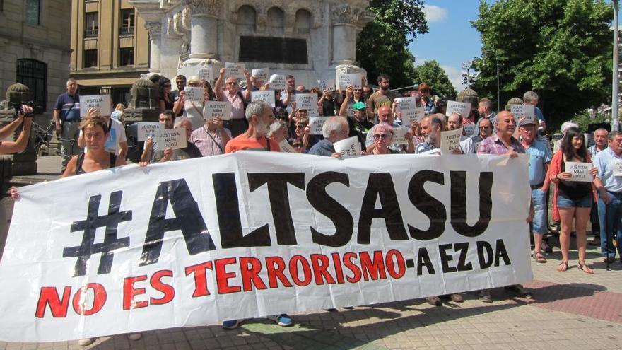 Amnistia Internacional exigeix que es retiri l'acusació per delictes de terrorisme contra els joves d'Alsasua