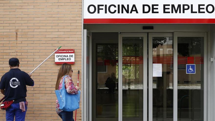 Los asesores denuncian situaciones de acoso al atribuirles el Gobierno el retraso en los ERTE