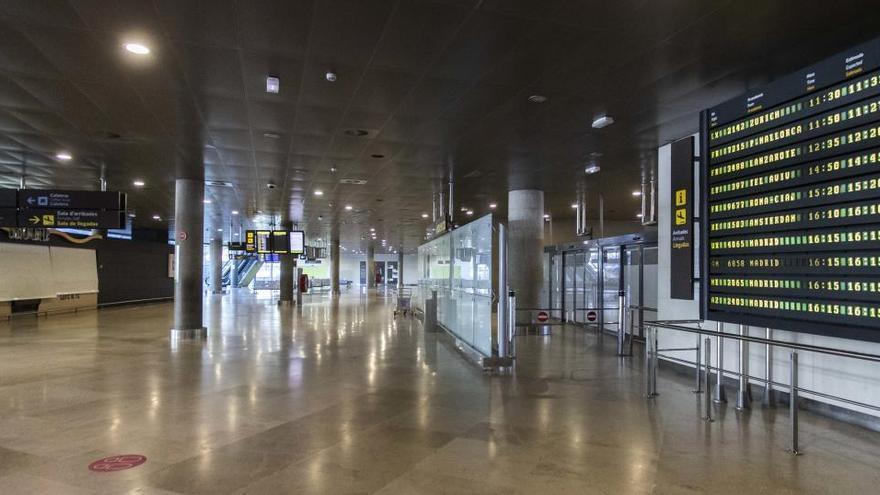 La entrada de turistas siguió hundida en octubre, con un descenso del 86,6%
