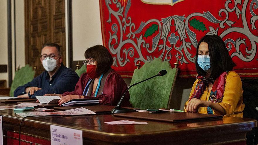 Firmas, descuentos y tapas animan la lectura en Zamora