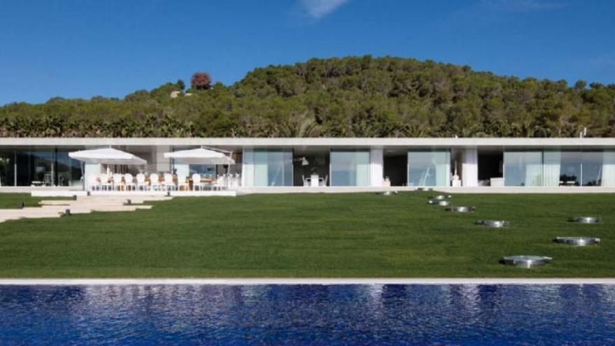 Derribar las ilegalidades de la casa de Cathy Guetta en Ibiza costará 30.000€