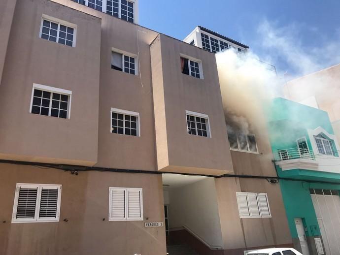 Incendio en Vecindario (20/06/18)