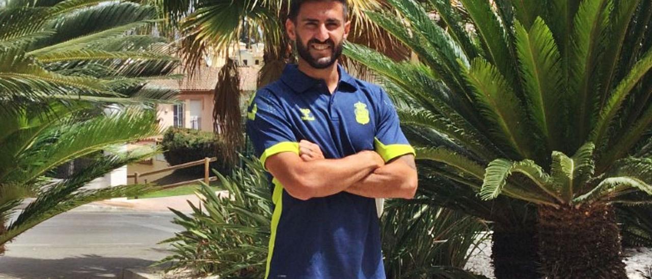 El sevillano Raúl Navas, nuevo central de la UD Las Palmas, en el hotel de concentración en Marbella. | | LP/DLP