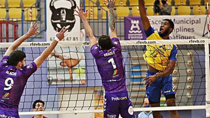 El punta colombiano Iván Hurtado regresa a la UD Ibiza-Ushuaïa Volley