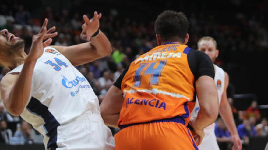 La Fonteta lleva en volandas al Valencia Basket