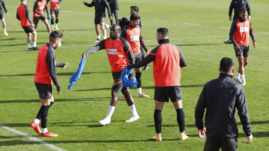 El Sporting desplaza a 21 jugadores a Miranda de Ebro