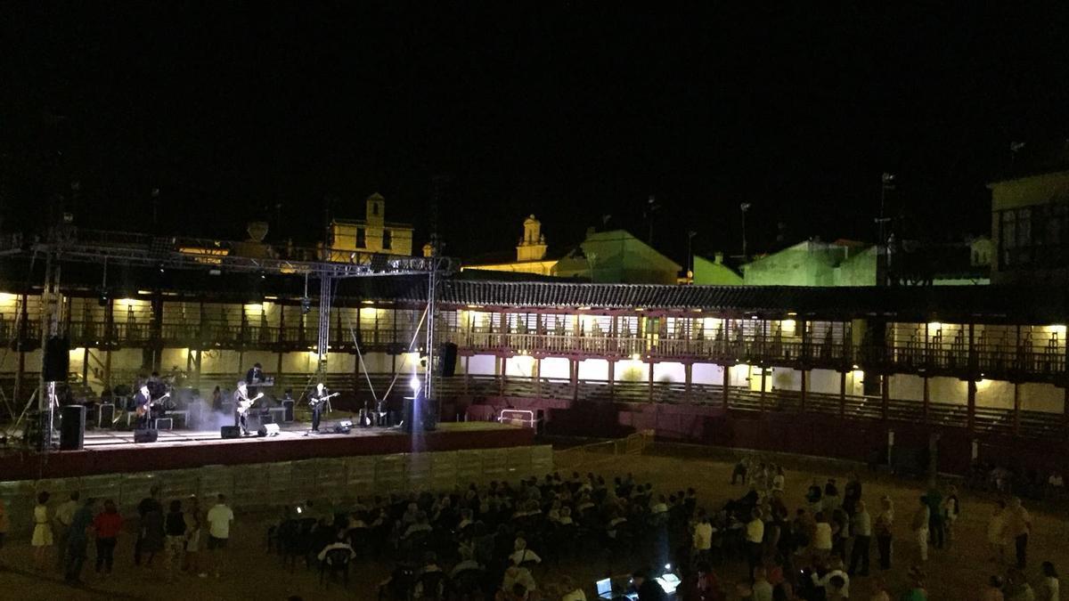 Un concierto del festival en la plaza de toros de Toro