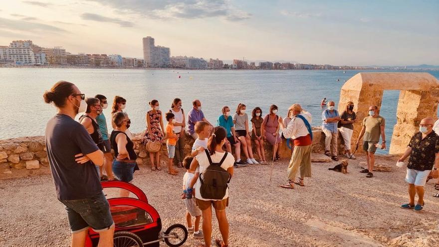 Turisme reactiva el programa Viatgem con el reparto de los primeros 5.000 bonos turísticos