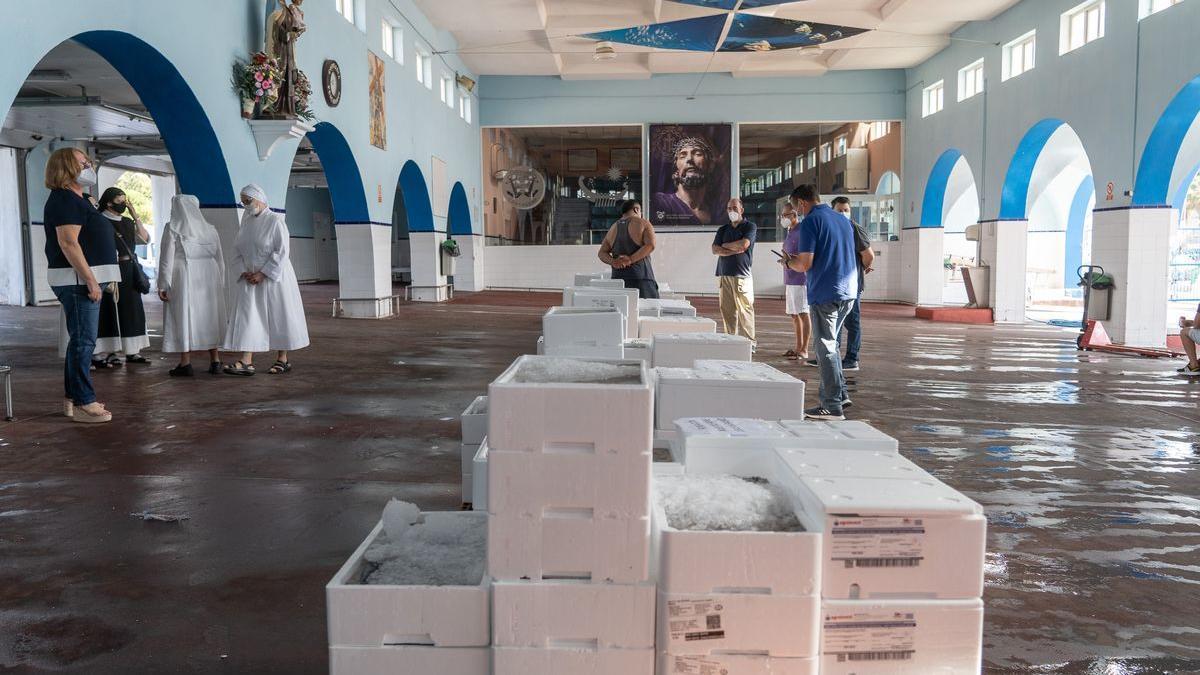 Los pescadores donan más de 1.000 kilos de pescado a los más necesitados