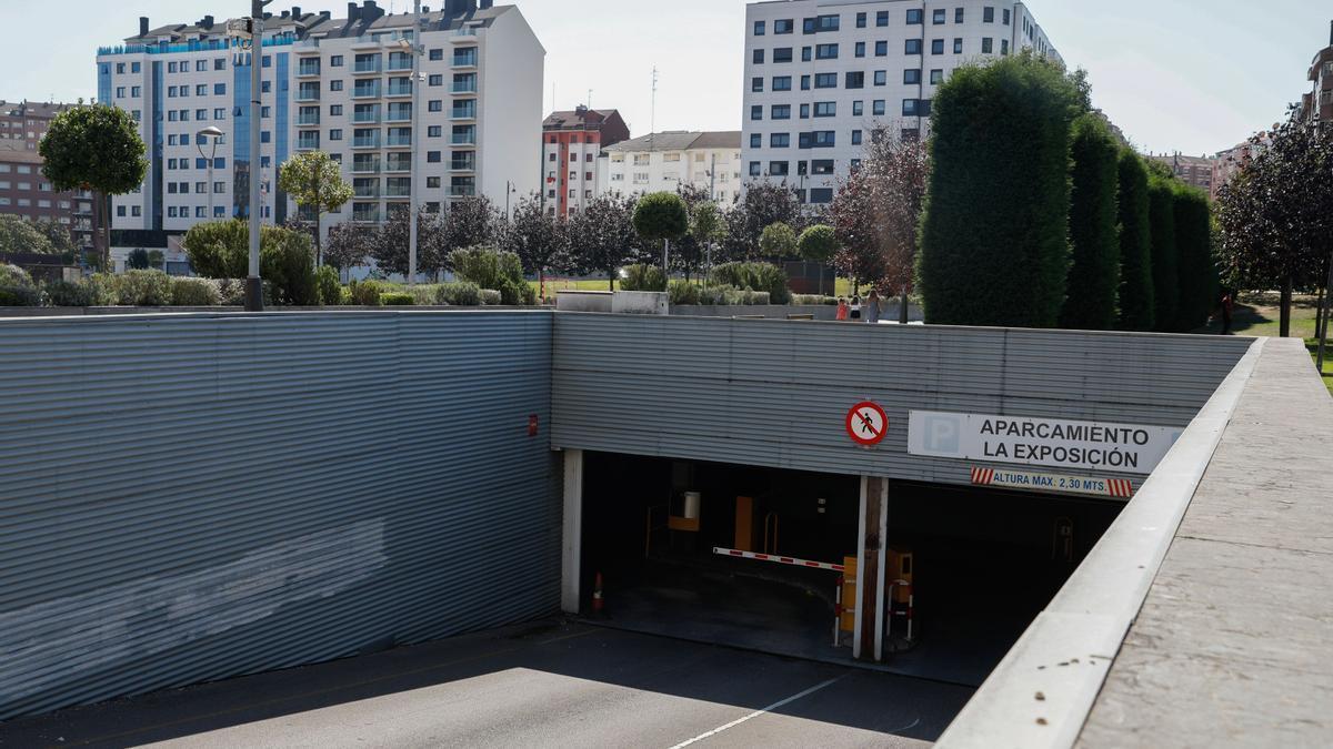 Acceso al parking de La Exposición