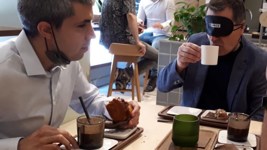 Josep Roca celebra amb l'ONCE els 5,5 milions de cupons dedicats a bars i restaurants per a 'Seguir gaudint junts'