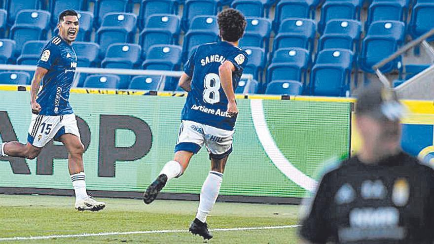 Nahuel, máximo goleador y asistente del Real Oviedo, quiere irse a lo grande