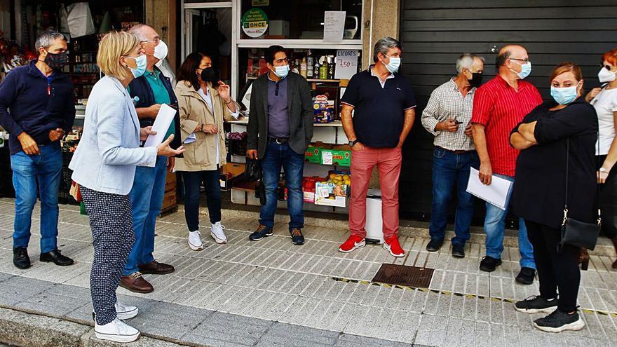 """Los ambulantes de Vilagarcía preparan movilizaciones: """"El Concello quiere acabar con el mercado"""""""