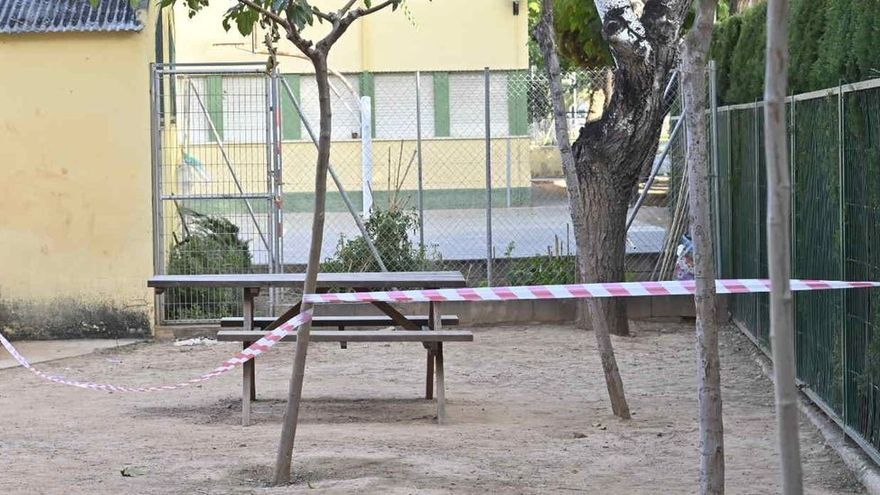 Rescatan a un niño de 3 años tras quedar atrapado por la cabeza en unos barrotes en un colegio de Castellón