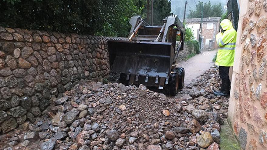 Bombers de Mallorca realizan más de 80 salidas por inundaciones en la isla