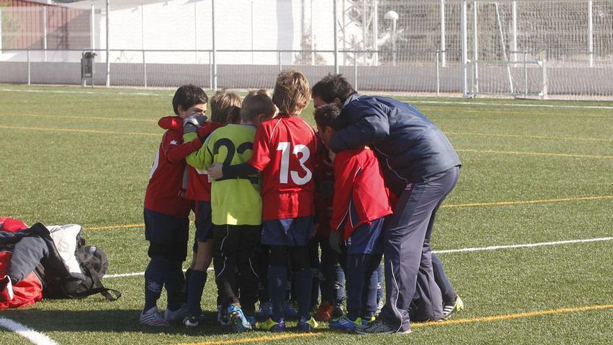 Ni se juega ni se entrena: la crisis del coronavirus paraliza el fútbol base de Málaga