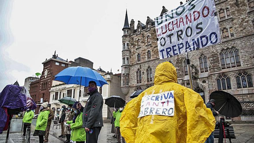 """Jubilados de la región se manifiestan para exigir """"una pensión digna"""""""