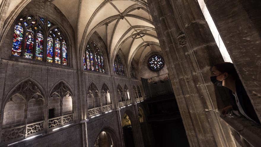 La historia de Asturias a través de unas vidrieras: una muestra de los secretos que esconde la Catedral de Oviedo