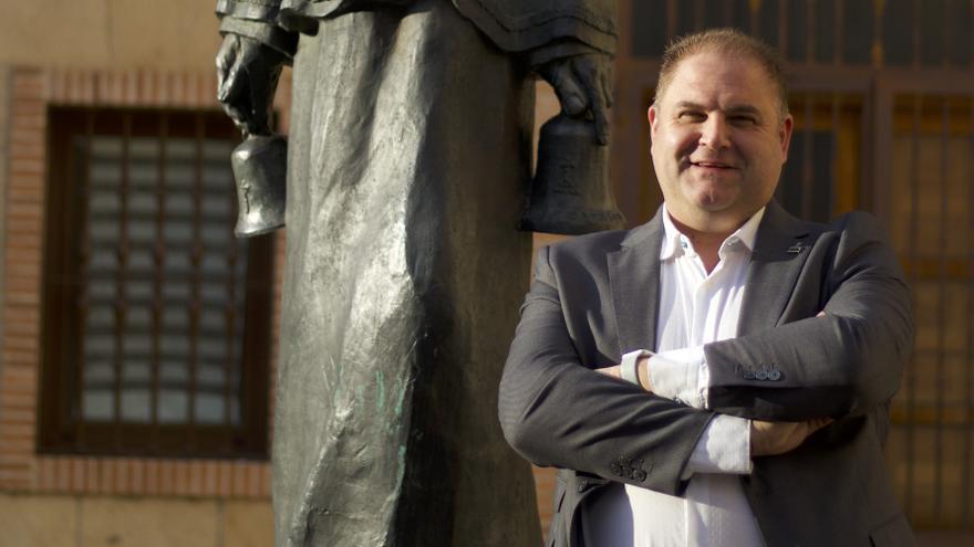 Israel Velasco de Fuentes, segundo candidato a la presidencia del Santo Entierro
