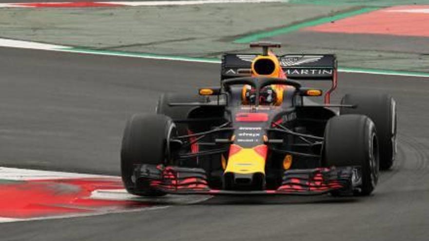 Ricciardo fa el millor temps i Alonso té un ensurt