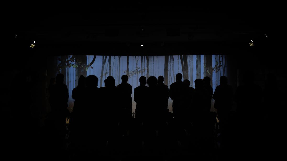 Psicólogos aconsejan celebrar despedidas simbólicas entre toda la familia ante la falta de velatorios