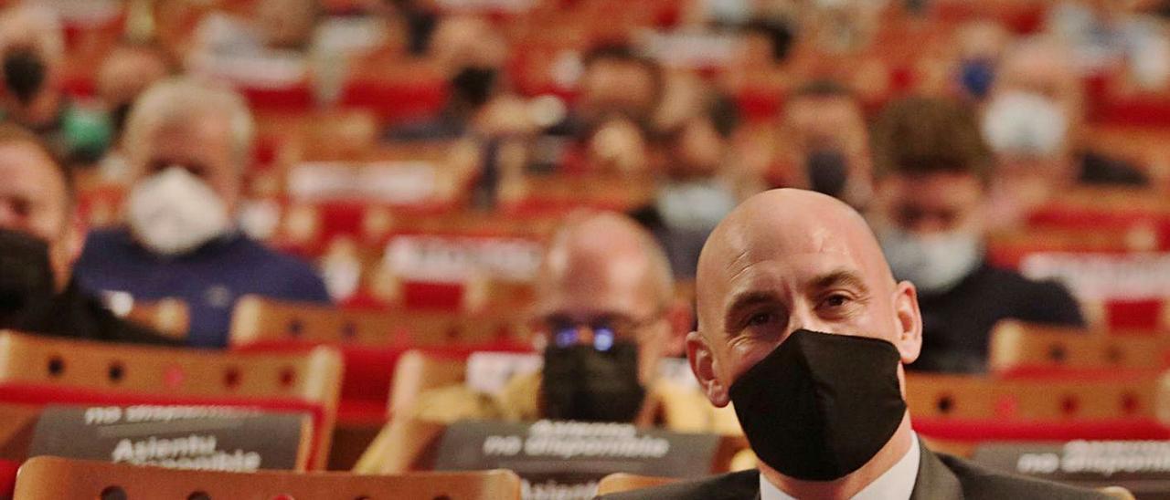 Luis Rubiales, ayer durante la asamblea de la federación asturiana. | Juan Plaza