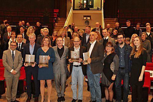 Preisträger und Ehrengäste der Preisverleihung.