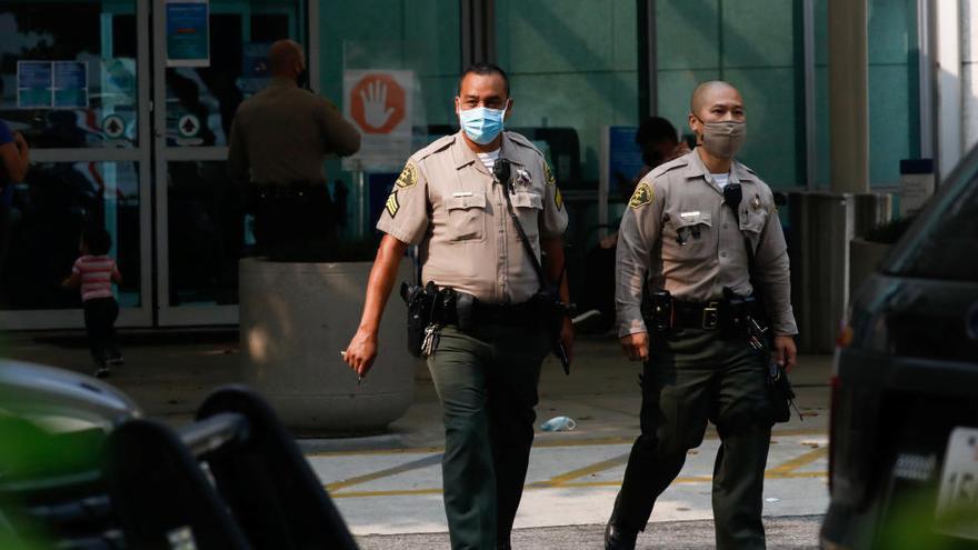 Arrestan a una reportera que cubría las protestas contra la violencia policial en EEUU
