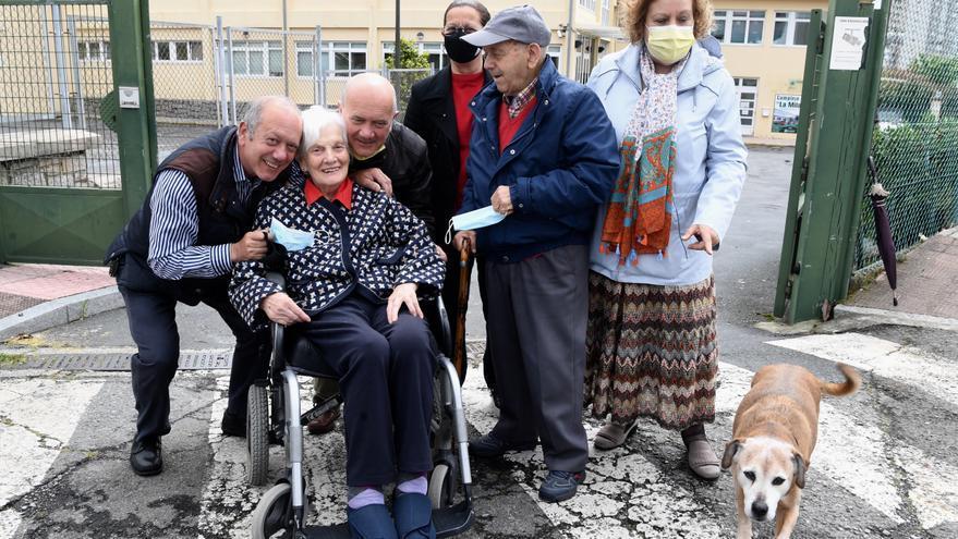 Las residencias gallegas vuelven a quedarse libres de covid al recibir el alta 5 usuarios de DomusVi Chantada