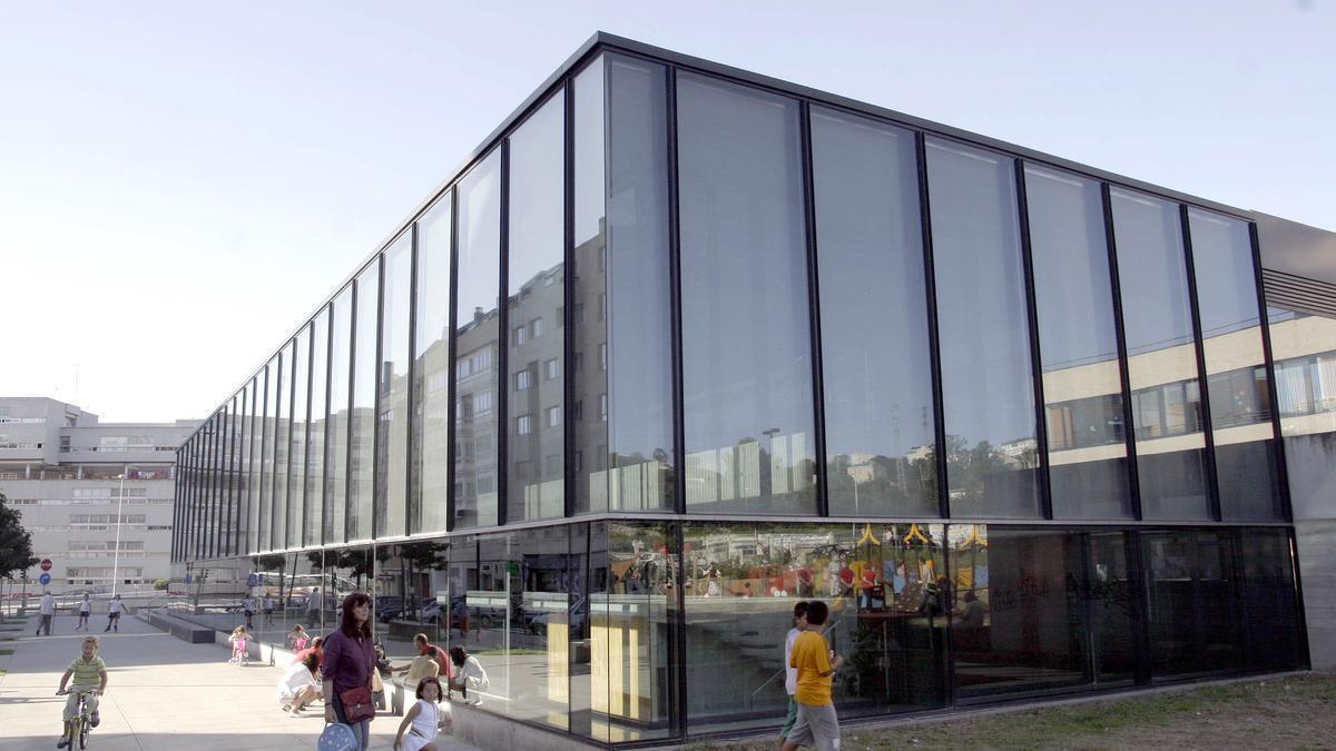 Edificio del centro de salud de Matogrande, en A Coruña.