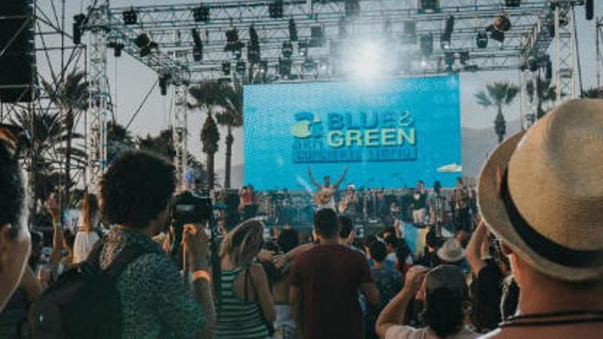 Bebe, Don Patricio y Efecto Pasillo cantan contra el plástico en Arona Blue & Green