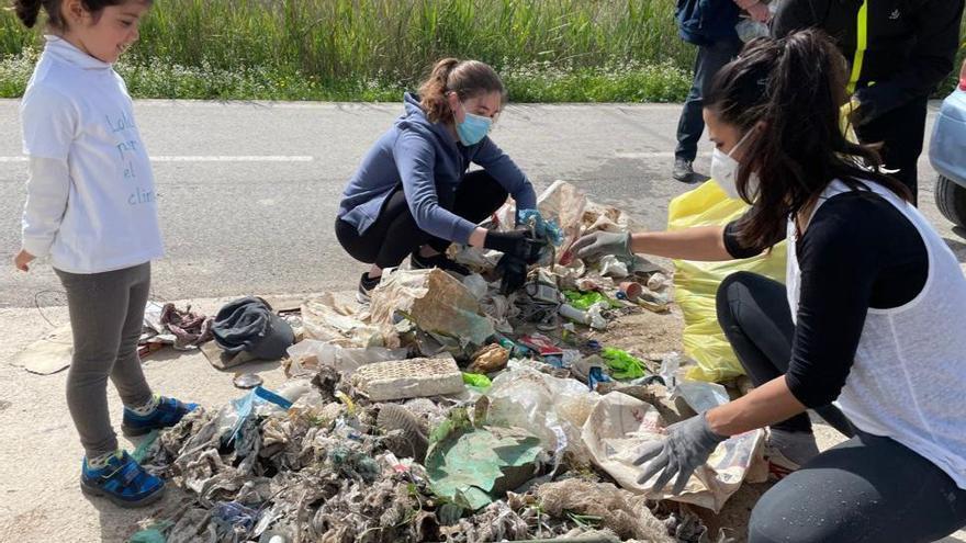 Casi media tonelada de residuos en dos días de limpieza