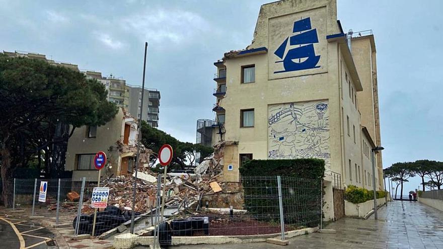 Comencen a enderrocar l'hotel Columbus, part de  la història de Platja d'Aro