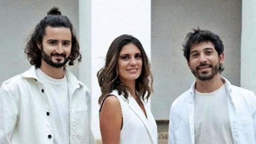 El grupo zamorano Vandalia Trío pone imagen a la nueva fusión musical