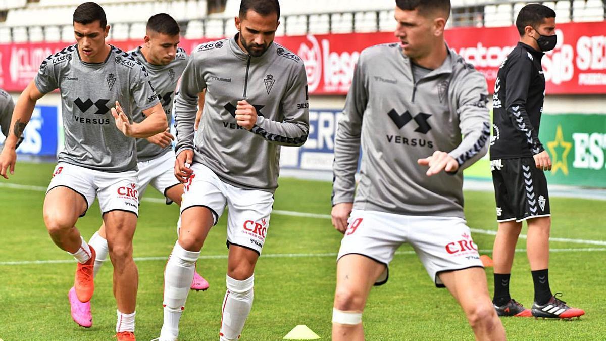 Alberto Toril, Verza, Adrián Fuentes y Carrillo en una sesión de entrenamiento.