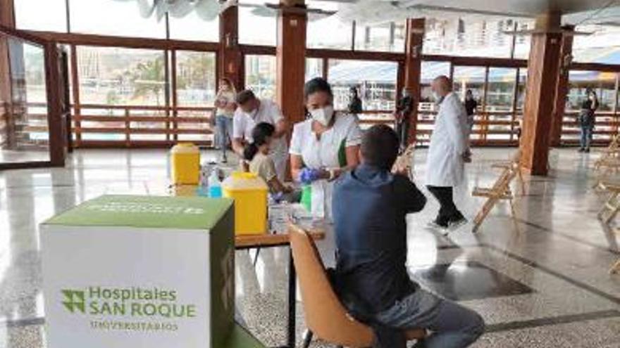 HUSR colabora para acelerar la vacunación
